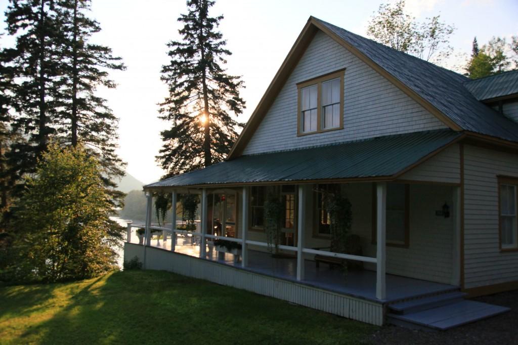 Salmon Lodge
